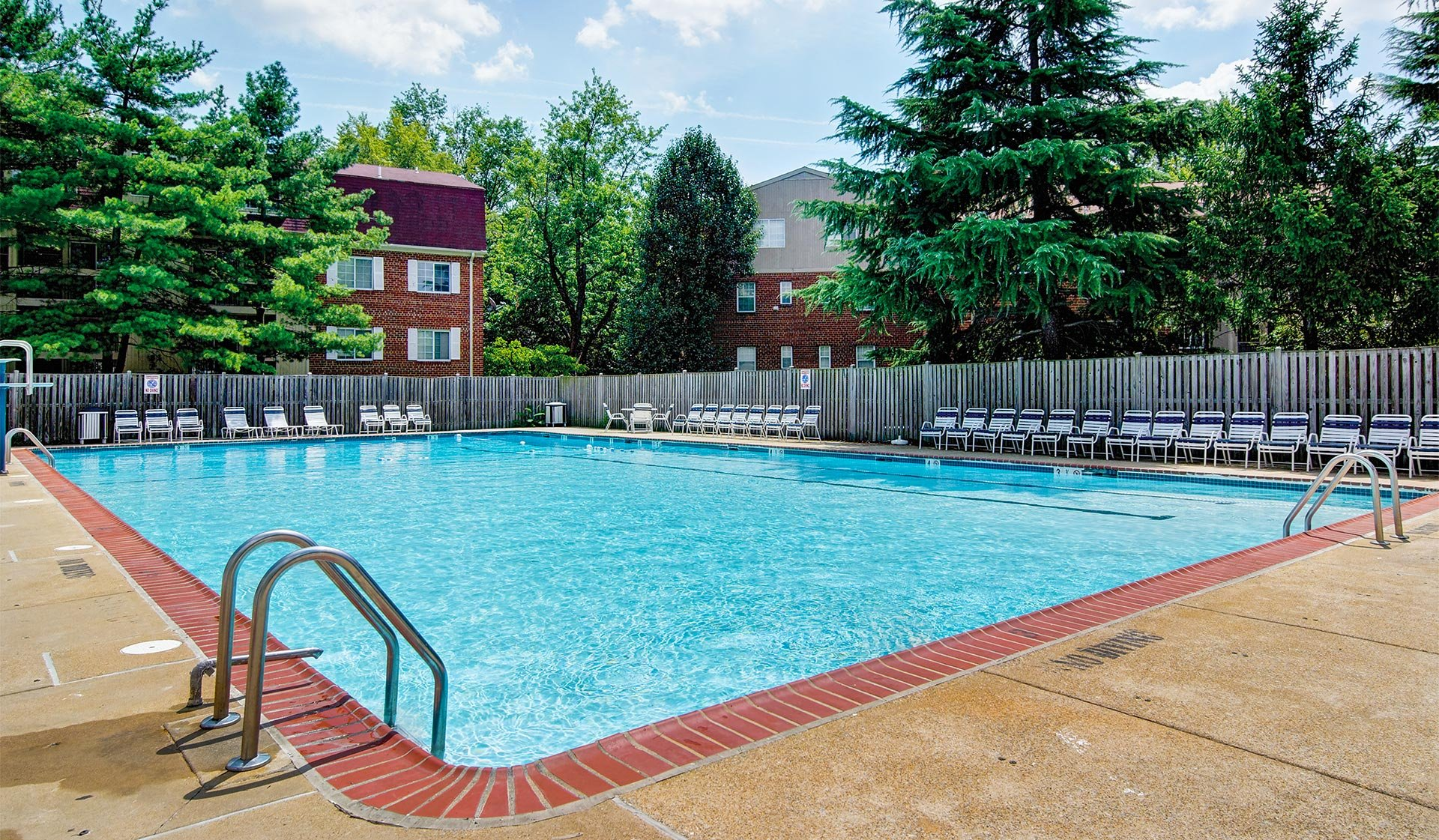 Foxchase apartments alexandria va featured amenities Swimming pools in alexandria va