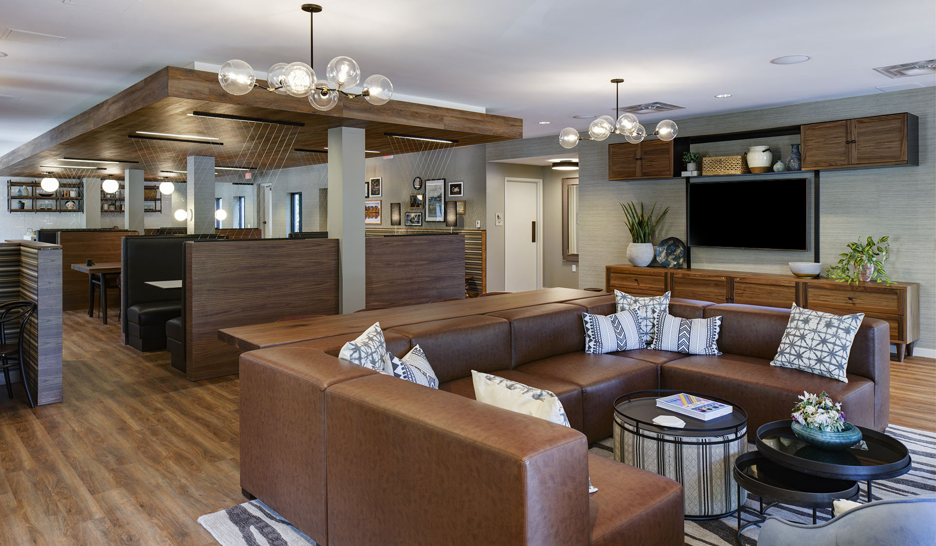 Foxchase Apartments in Alexandria, VA - Clubhouse